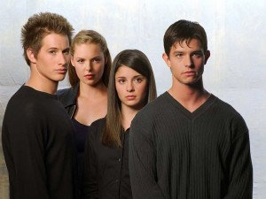 Roswell Rebooting On The CW For 2018-19 Season!