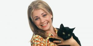 Sabrina the Teenage Witch Reviving As Riverdale Companion Series At The CW
