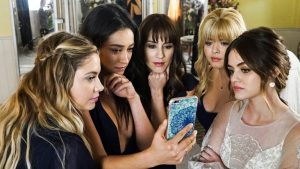 Pretty Little Liars Series Finale – Freeform Flaunts Social Media 'Ratings'